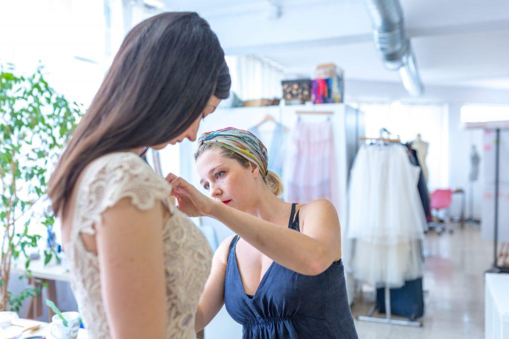 Atelier de vestidos de novia y fiesta a medida en Barcelona