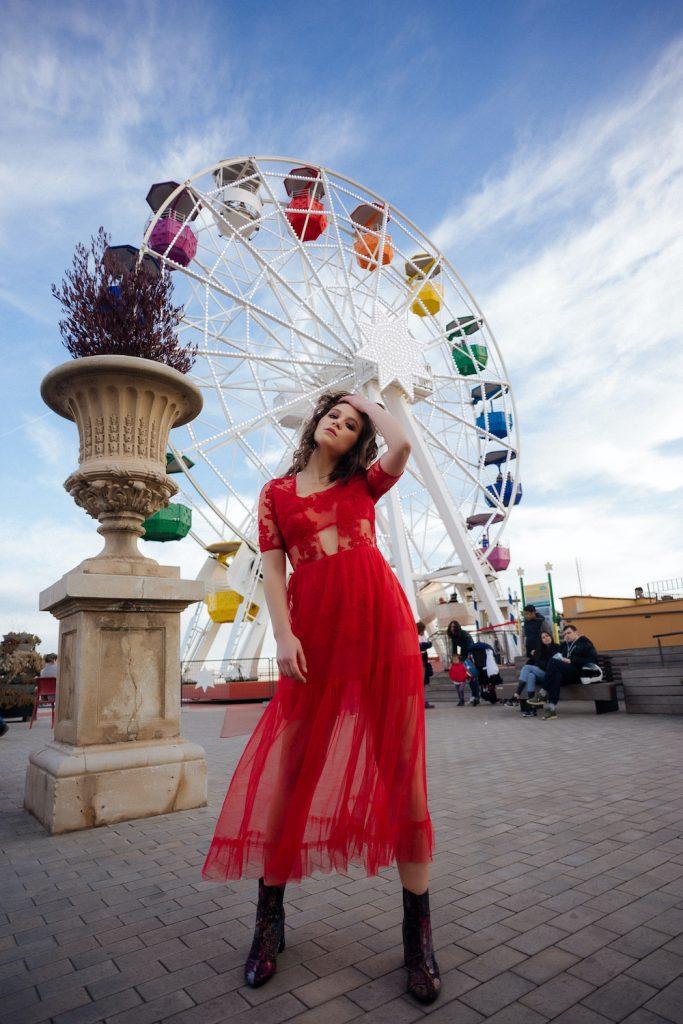 Vestido de fiesta rojo en tul largo