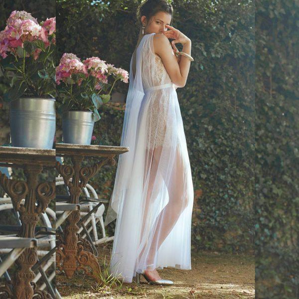vestido largo de tul con encaje